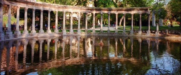 The Parc Monceau: a picturesque place rich in curiosities
